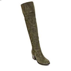 Steve Madden Olive Green Boots